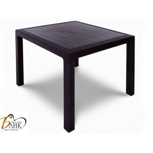 Стол обеденный Tweet Quatro Table
